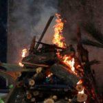 শ্মশানে জমছে লাশের পাহাড়, মহারাষ্ট্রে মৃতদেহ দাহ করতে পরিবারকে ৩০ ঘন্টা পর্যন্ত অপেক্ষা করতে হচ্ছে