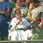 হুইল চেয়ারেই রাজপথে মমতা