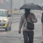 সকাল থেকেই বৃষ্টি চলছে দিল্লিতে