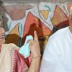 সস্ত্রীক করোনা আক্রান্ত: বাড়িতেই নিভৃতবাসে বুদ্ধদেব ভট্টাচার্য, হাসপাতালে মীরা ভট্টাচার্য