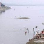 নদীতে ভাসছে একের অসংখ্য পচা-গলা লাশ, ভয়াবহ দৃশ্য উত্তরপ্রদেশে
