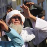 ক্রেনের মাথায় ঝুলছে মৃতদেহ, আফগানিস্তানে ফিরিয়ে আনা হচ্ছে শরিয়তি শাসন